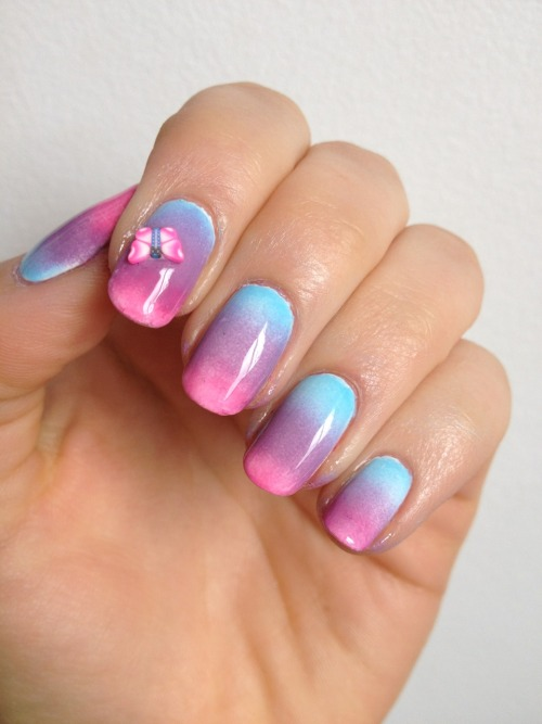 New tutorial up for these pretty gradient nails! Http://www.nail-art-101.com/gradient-nails.html