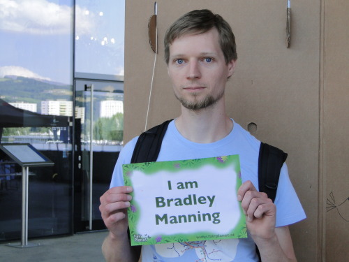 I am Martin, web developer, and I support Bradley Manning and WikiLeaks.
