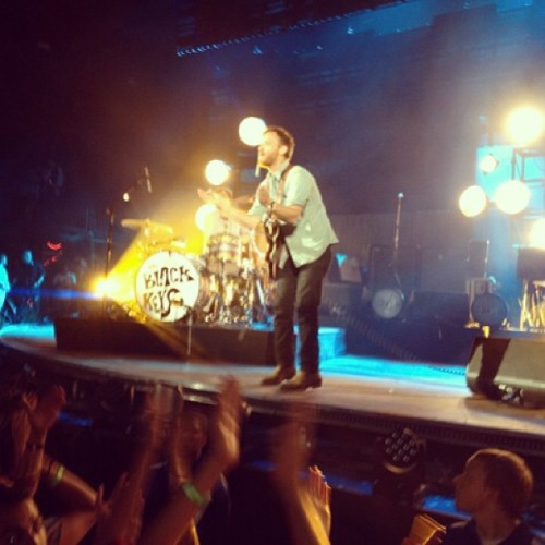 Next Girl.  Black Keys last night from the pit. (at KROQ Weenie Roast)