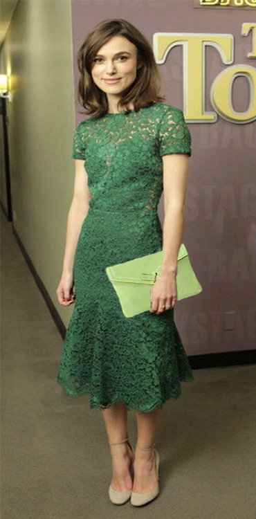 Keira Knightley with our light green MILCK clutch!