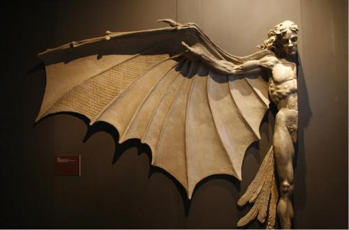 blackpaint20:  Statue based on Leonardo Da Vinci's artificial wing design.