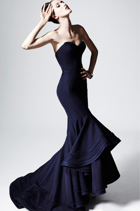 zac posen pre-fall 2013 anna cleveland in a navy mermaid ruffled gown jewelry by david webb