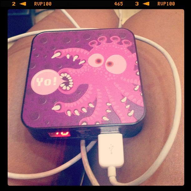 This iPhone charger is soo sick status!!! Thank you @xxxcherry812 Xoxo.A.💋📲🇨🇳❤