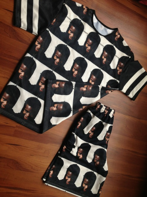 kairebelious:  laleali:  My Wil Fry & Ian Connor fit  i would really wear this ! the only think with ian on it that i actually like.