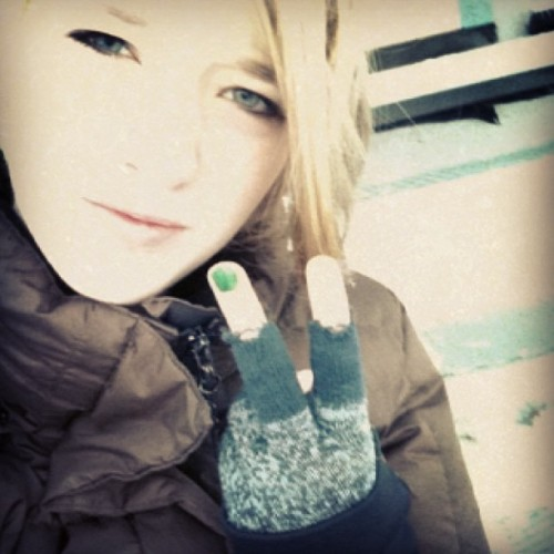 #megirl #me #girl #norwegian #æøå #norsk #norway #cold #holes #in #my #gloves #blond #outside #peace #like4like #follow4likes  (at brastadbotn)