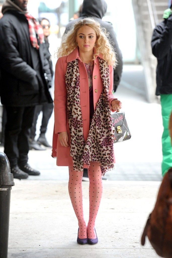 AnnaSophia Robb is cute as a button in her all pink outfit!