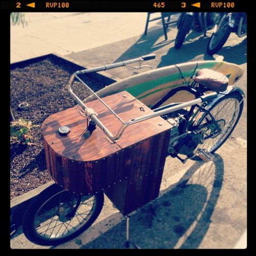 Adorable bike at @deusemporium http://bit.ly/10GX08s