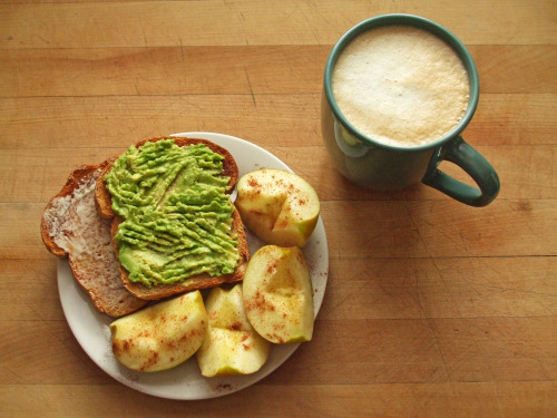garden-of-vegan:  whole wheat toast with earth balance and avocado , fuji apple with cinnamon, coffee with soy milk