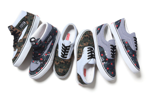 "SUPREME x COMME DES GARCONS x VANS 2013 Collection Here are the shoes matching the apparel capsule collection consisting of the ""half cab"" and the ""era"" models from Vans. The release is set for June 2013."