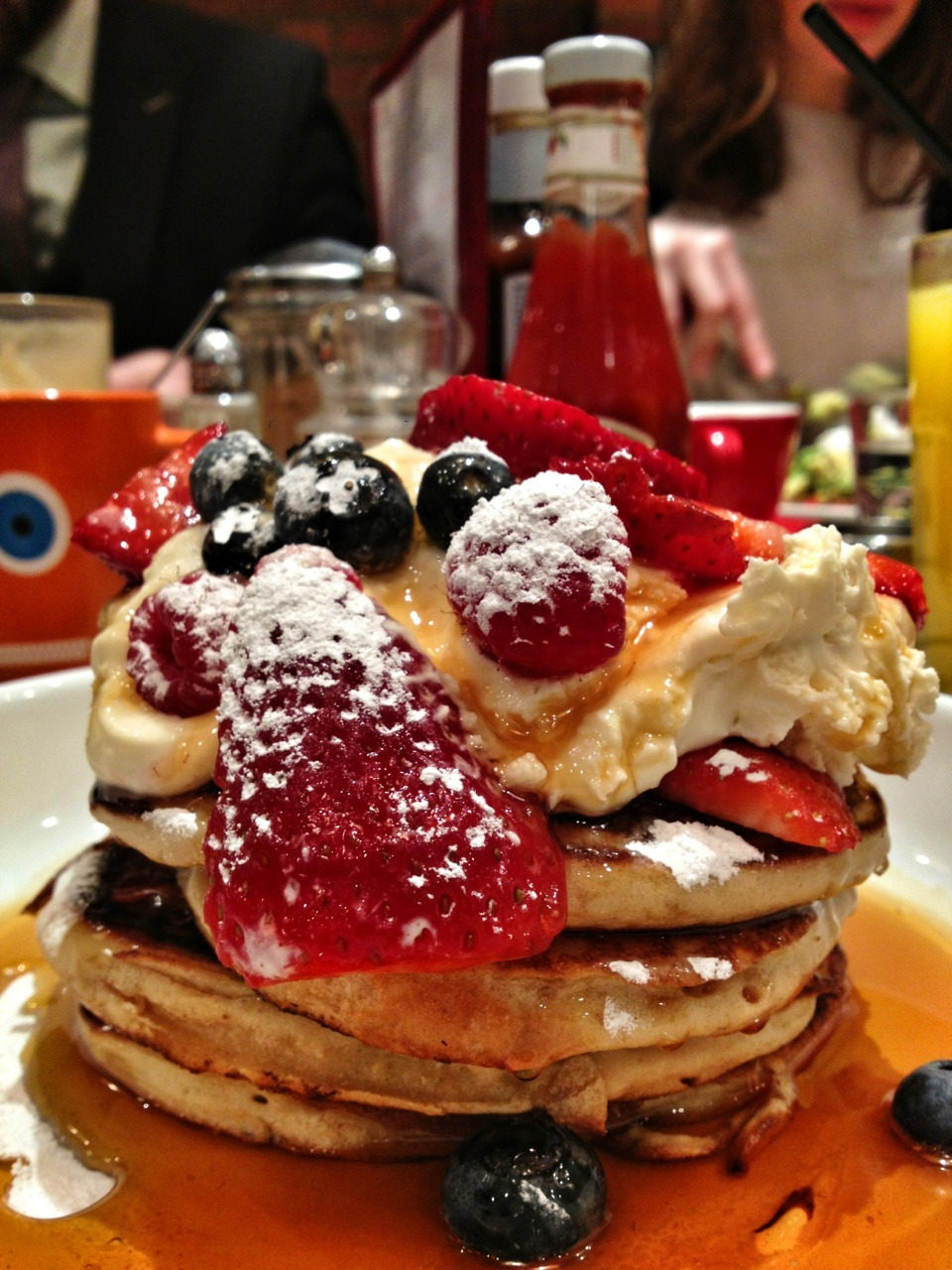Pancake and Berries hits the spot at @thebrekkyclub