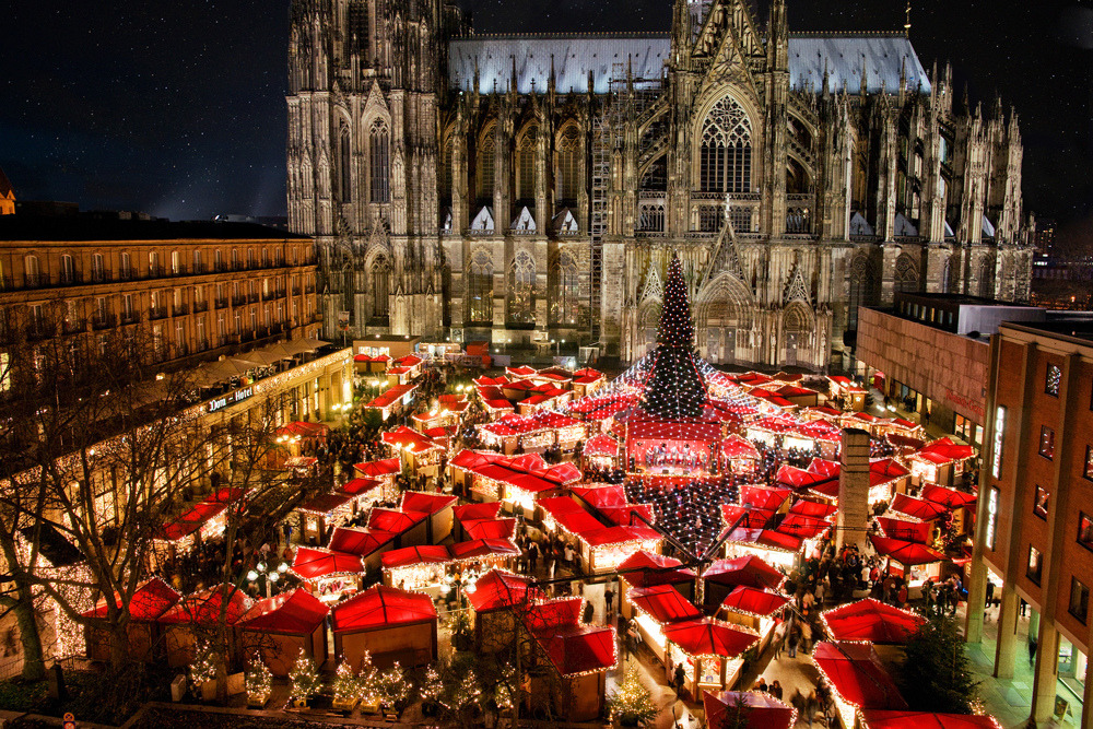 Cologne, Germany | by © kölnerweihnachtsmarkt | via allthingseurope