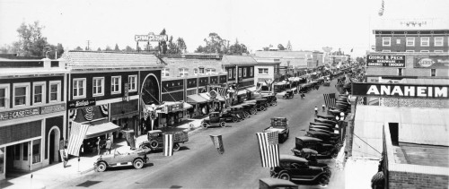 Anaheim, circa 1925. Pictured here is the central business district along Center Street (now Lincoln Avenue). Part of the Title Insurance and Trust, and C.C. Pierce Photography Collection in the USC Digital Library.