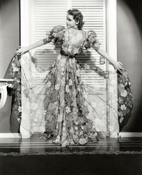 thelingerieaddict:  screengoddess:  Marsha Hunt  1936  Pretty, pretty dress.