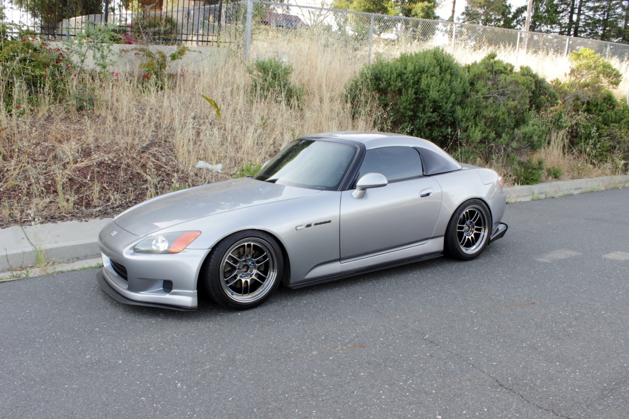officialpresidentkony2013:  tweedlefly:  My '00 Honda S2000.    hey this looks mad familiar. are you 626 local?