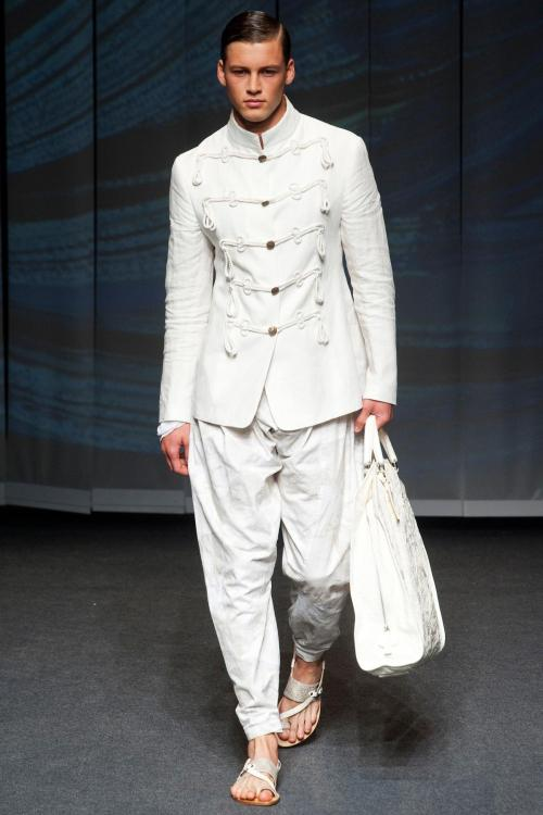 prorsum-sugar-on-me:  Etro Spring 2013 menswear