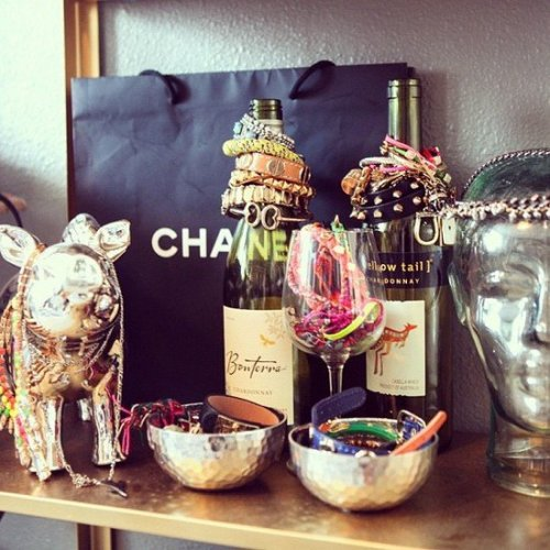 DECOR. / use recycled wine bottles to store bracelets on We Heart It - http://weheartit.com/entry/61589349/via/tashaheartsyou   Hearted from: http://pinterest.com/pin/509610514054891261/