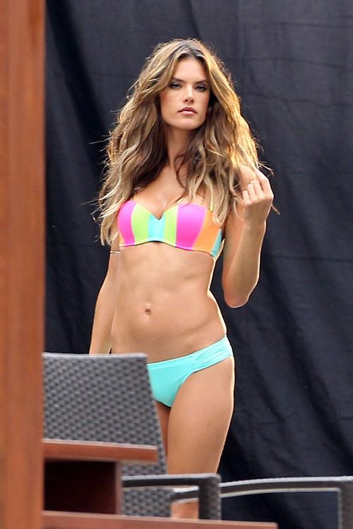 Alessandra ambrosio victoria s secret bikini