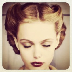 Loving #retro #hair inspiration at @glossyfashionnl