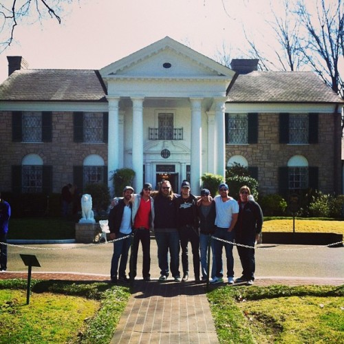 Florida Georgia Line stops by Graceland before performing for a sold out crowd tonight at Minglewood Hall in Memphis. (at Graceland)