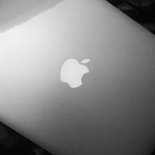 😍 #macbook #pro #college #apple #iminlove