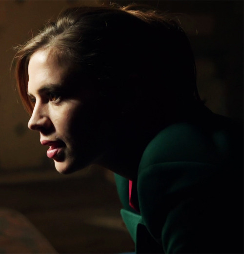 Hayley Atwell in Life of Crime (2013).