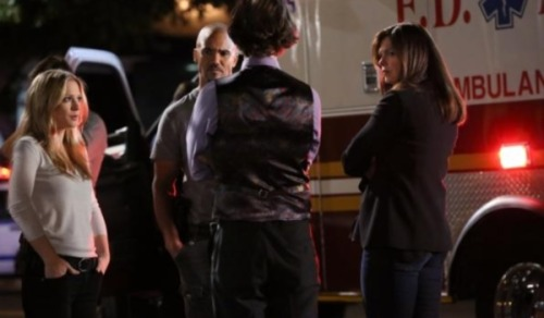 Criminal Minds | 8x23 'Brothers Hotchner' & 8x24 'The Replicator' press release, promo & photos
