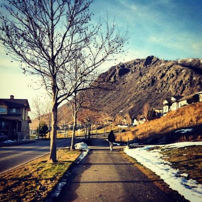 Warm afternoon neighborhood stroll 😎 ☀ #kamloops #sunrivers #sunday
