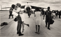 forevermore-in-death:  Military welcome home