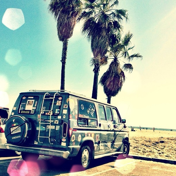 I wanna drive from NorCali to SoCali via PCH with this van. Would be so awesome. #pch #calilove #van #retro