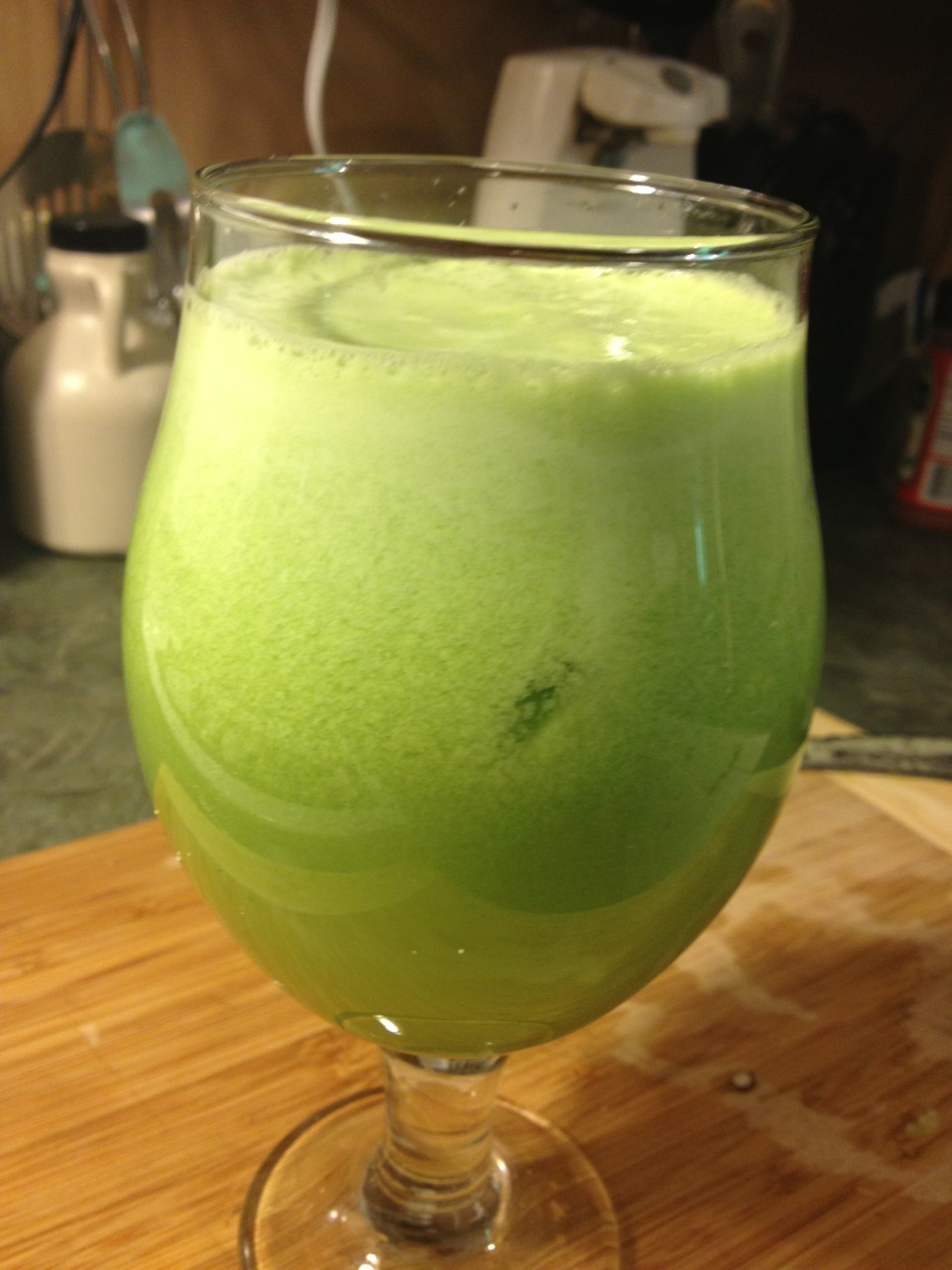 "wordslessspoken:  This a nice Spring twist on a Green Machine recipe with mint, lime, & pear:  4 large kale leaves 1/2 head of romaine lettuce 1 large rib celery Handful of parsley  2 large stems of mint 3 Granny Smith apples 1 cucumber 1 pear 1 lime 1/2"" ginger root  Makes 32 oz. for two  I will be juicing this ASAP!"