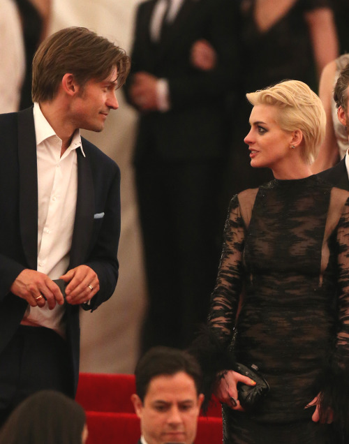 suicideblonde:  Nikolaj Coster-Waldau and Anne Hathaway leaving the Met Gala in NYC, May 6th