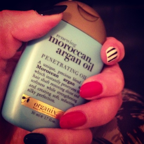 missbrittanyboo:  New obsession! Makes my hair feel amazing!! Got the mini bottle to try, wish I got the bigger bottle!! #organix #moroccanoil #arganoil #hair #bbloggers #bbcoalition
