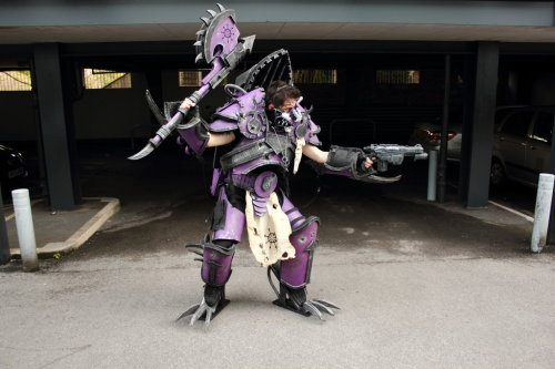 Slaanesh Noise Raptor - Warhammer 40,000 - 2by ~waringpepper