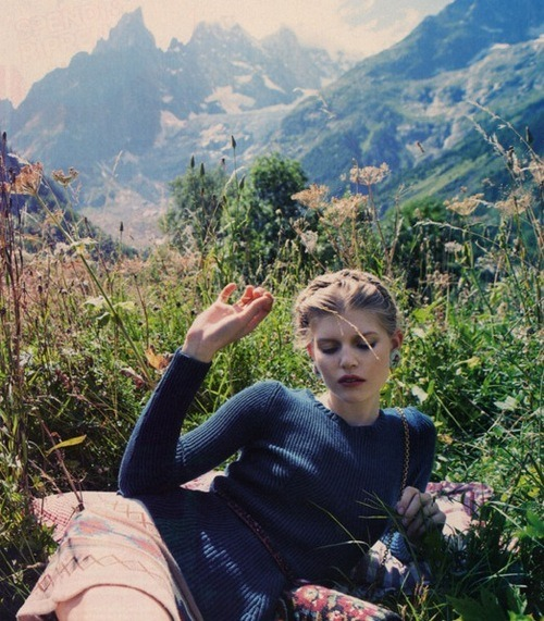 stormtrooperfashion:  Ola Rudnicka by Stefania Paparelli for Gioia, October 2012 See more from this set here.