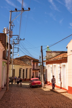 Red Car Another nice Shot of the Streets of Trinidad, Cuba. Canon EOS 40D1/500sISO 400f/12.9 Trinidad,Cuba Flickr - Twitter - Facebook - Google+ - Posterous - 500px Copyright © BorisJ Photography - Boris Jusseit - all rights reserved - please do not use this image on any media without my permission.