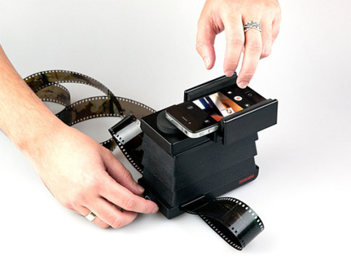 justbeingseriouslysocial:  The Lomography Smartphone Film Scanner (Submitted by from89)