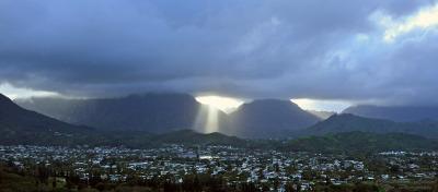 Shining down. (Oahu 2014)