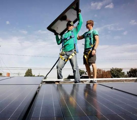 穹顶之下的屋顶电站,谷歌18亿美元投注可再生能源