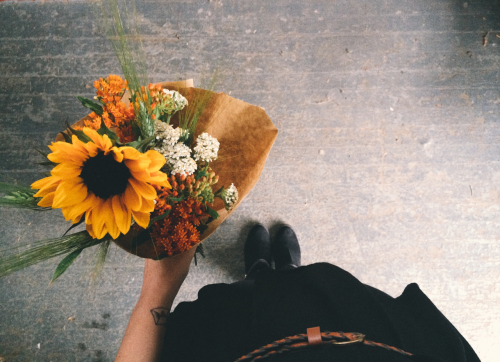 flowers floral bouquet sunflower vsco makeshift paper wrapped