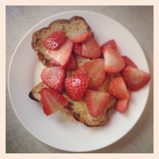 Cinnamon & strawb french toast