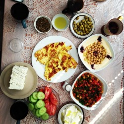 forthesakeofallah:  Palestinian breakfast with my best friends this morning ♥  Alhamdolilah. IT WAS SOOOOOOOOOOO GOOOD. Maashaa Allaah Maashaa Allaah maashaaa Allaah  sagghghghghhhahahahhgahglkashlierior