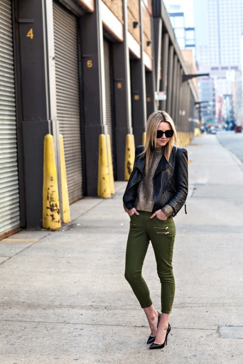 fashion-streetstyle:  (via Atlantic-Pacific: green & gold)
