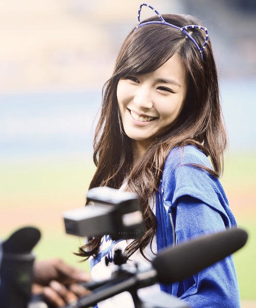 ruby-sica:  24/100 of tiffany trampling all over my heart