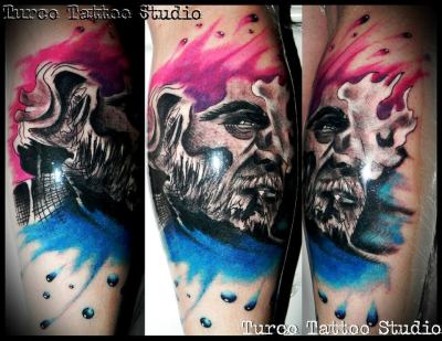 Just to show you this beauty made by a great brazillian tattoo artist - Turco - on my skin. Now Hank will watch my steps forever <3