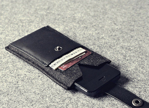 Charbonize iPhone Wallet
