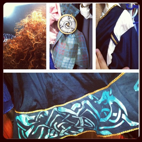 It's Merida's coronation day! :D I don't really have any pic with the girl cause I've never met her but here's some detail pics of my costume :D #merida #coronation #brave #pixar #disney #disneycosplay #elkaydeethreads