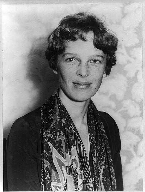 "Jan. 11, 1935: Amelia Earhart Becomes the First Person to Fly from Hawaii to U.S. Mainland On this day in 1935, aviator Amelia Earhart became the first person to fly solo from Honolulu, Hawaii to Oakland, California.Two years later, Earhart would begin her ill-fated around-the-world flight, disappearing over the Pacific after completing nearly 22, 000 miles of the voyage. Dive deep into the world of female aviation pioneers, with American Experience's ""Women of Flight"" photo gallery. Photo: Amelia Earhart in 1928 (Library of Congress)"
