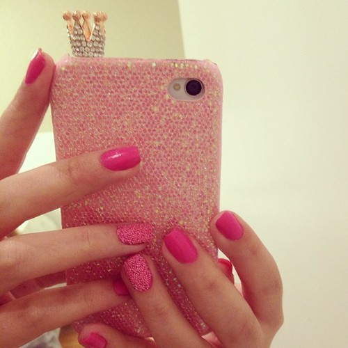 blushella:  rosy/bubblegum blog, following back everyone!