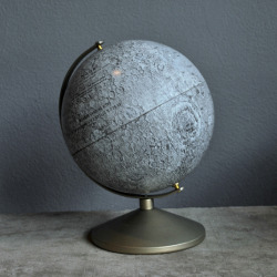 fleurishes:  1969 Moon Globe by Agent Gallery Chicago, issued to commemorate the lunar landing.