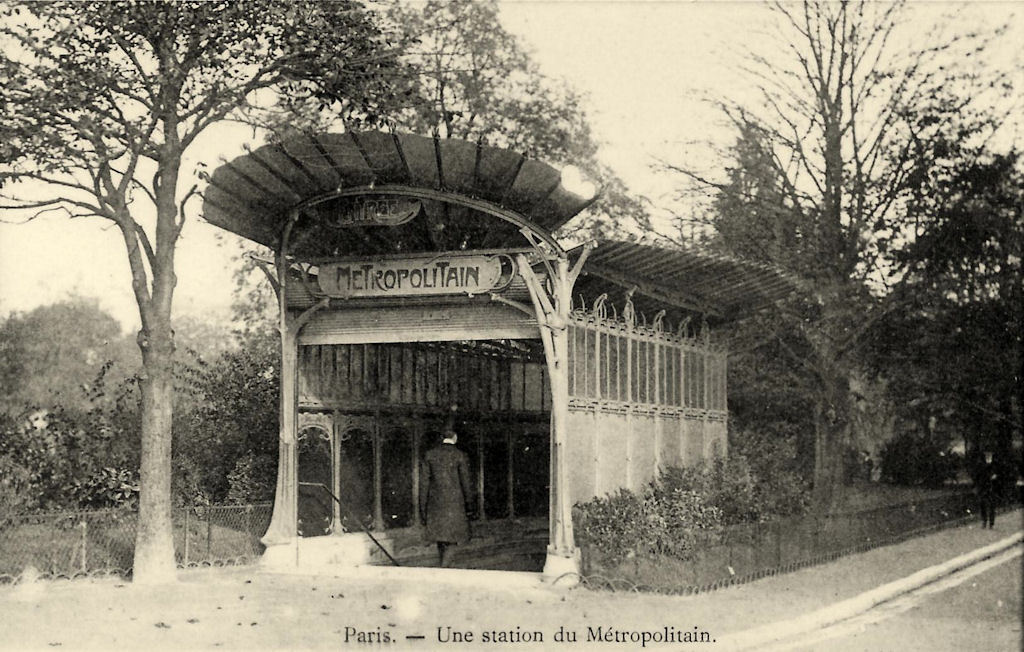 Guimard's entrance for the Métro at Porte Dauphine, Paris